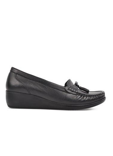 Castle Black 9005 Siyah Hakiki Deri Kadın Günlük Ayakkabı Siyah